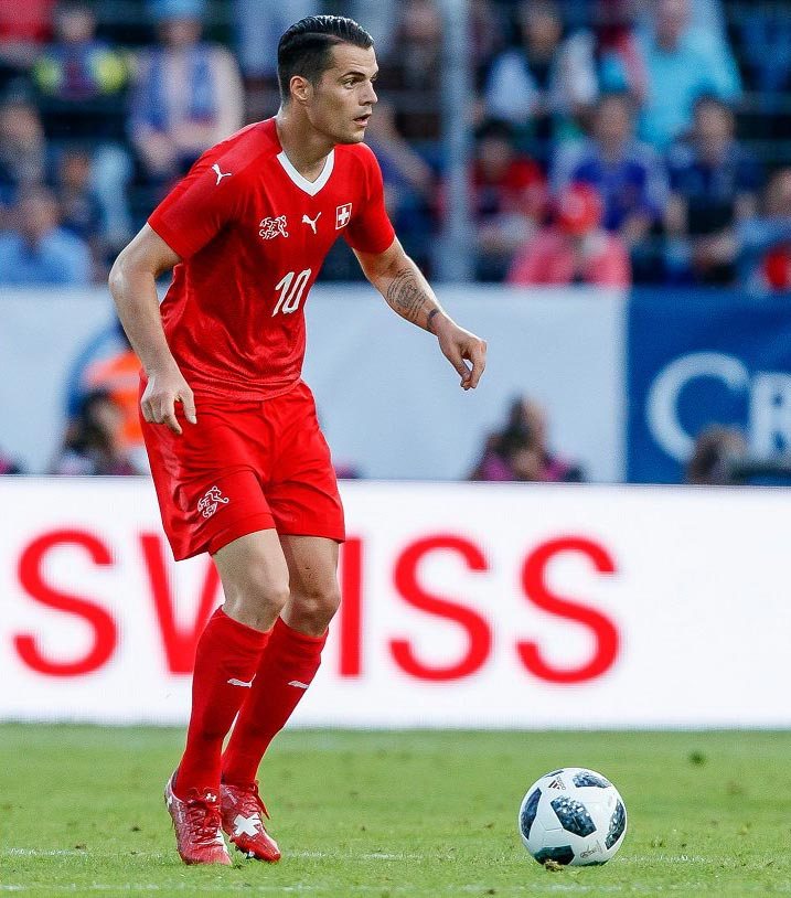 chaussures-football-under-armour-magnetico-xhaka-suisse-coupe-du-monde-2018-juin-20182