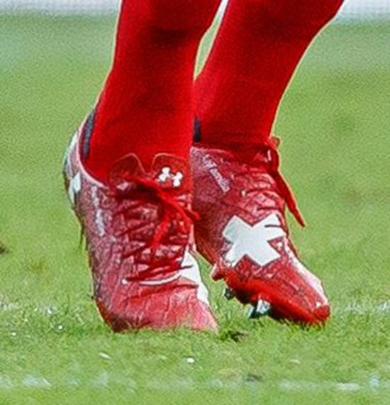 chaussures-football-under-armour-magnetico-xhaka-suisse-coupe-du-monde-2018-juin-20184chaussures-football-under-armour-magnetico-xhaka-suisse-coupe-du-monde-2018-juin-20184