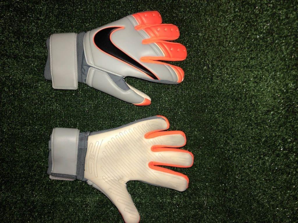 gants-gardien-Nike-Vapor-Grip-3