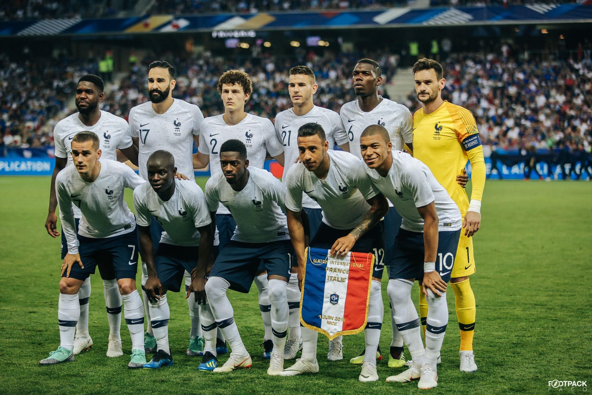 Les maillots de la france et les chaussures des 23 joueurs - Equipe de france 1982 coupe du monde ...