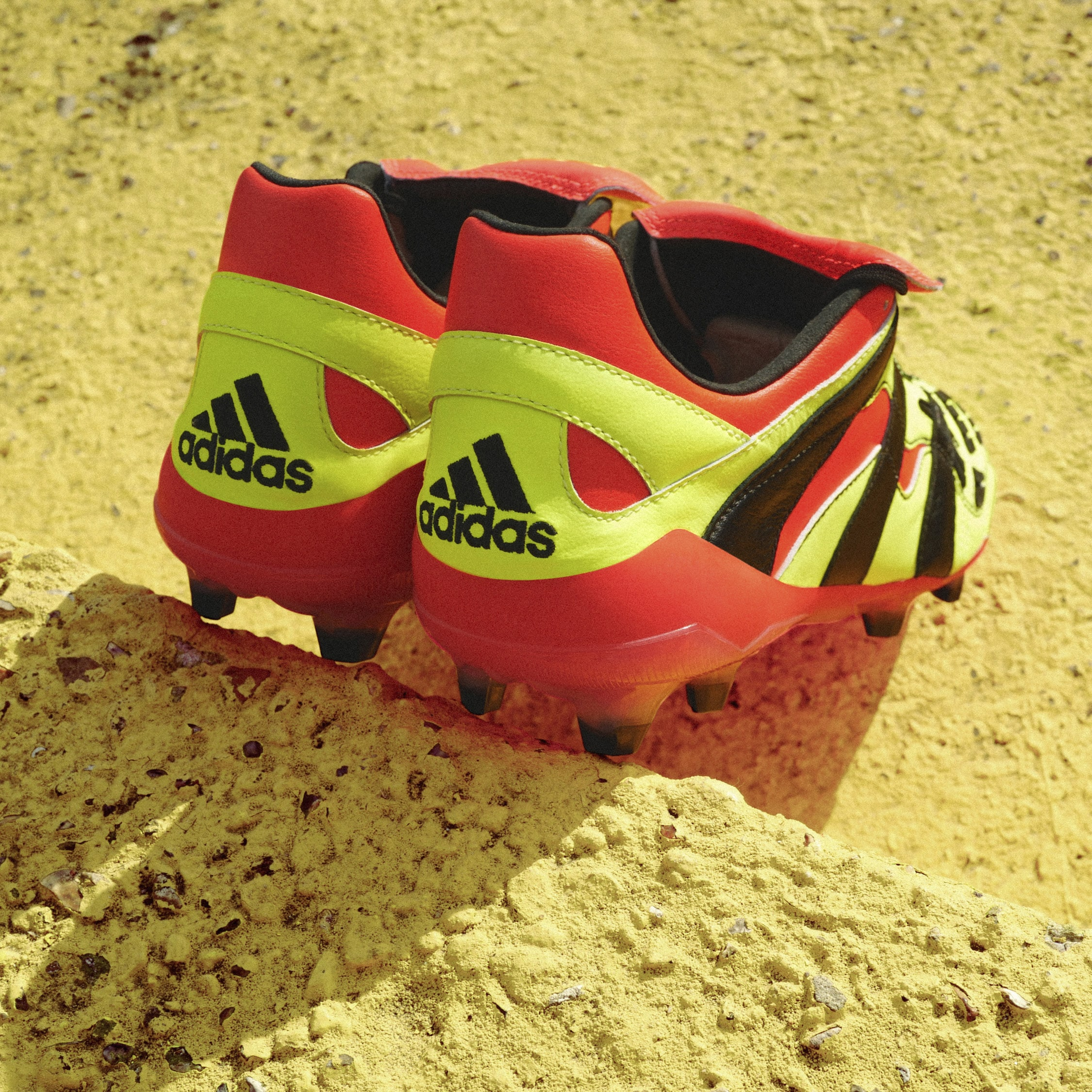 Chaussures-football-adidas-predator-accelerator-electricity-2018-juillet-2018-2