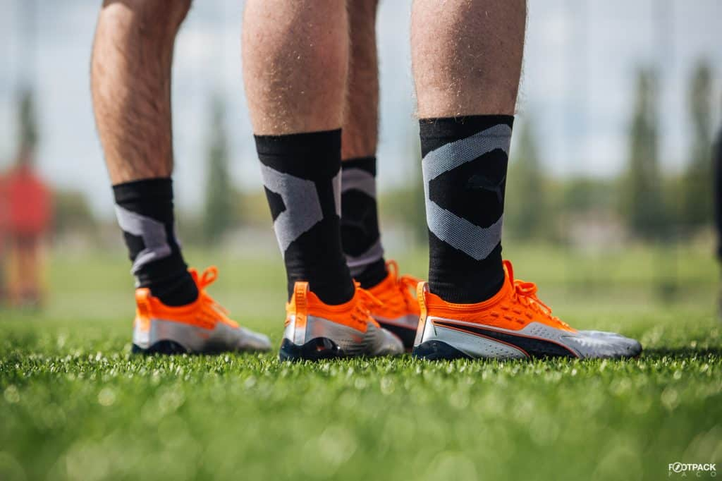 be5ad434845f chaussures-football-puma-one-giroud-UpRising-juillet-2018-