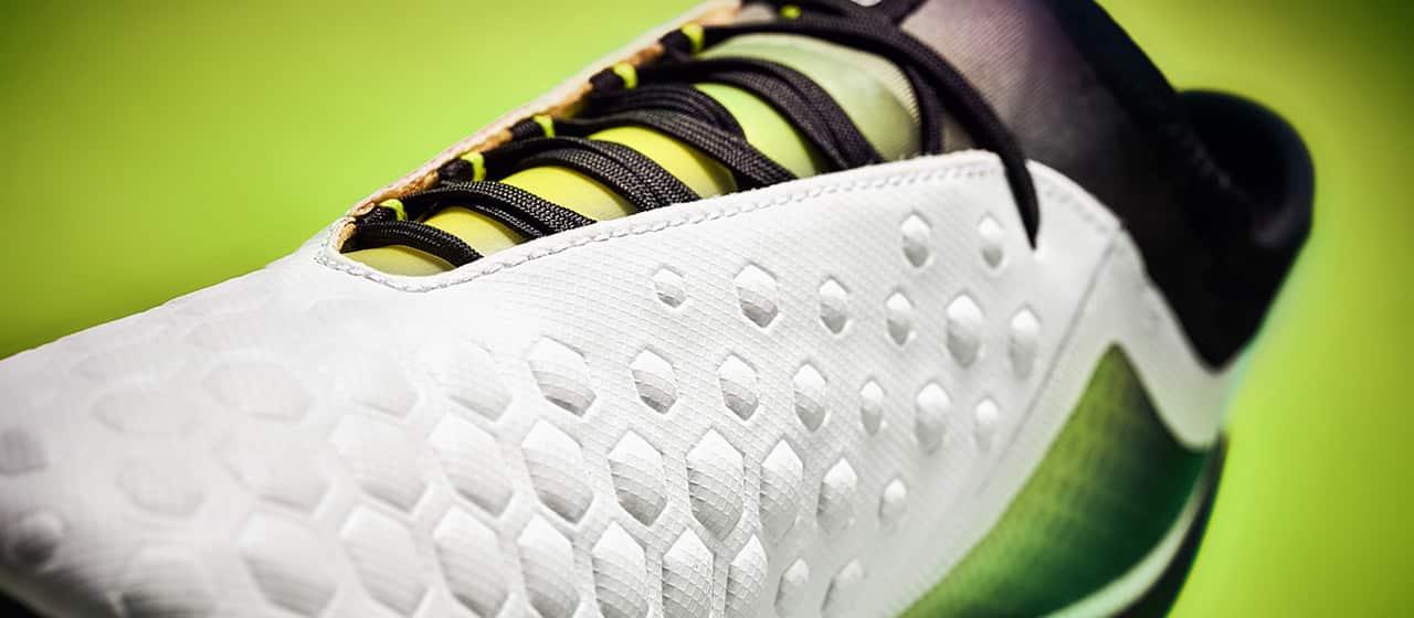 chaussures-football-umbro-Ux-Accuro-2-Acid-Lime-img1