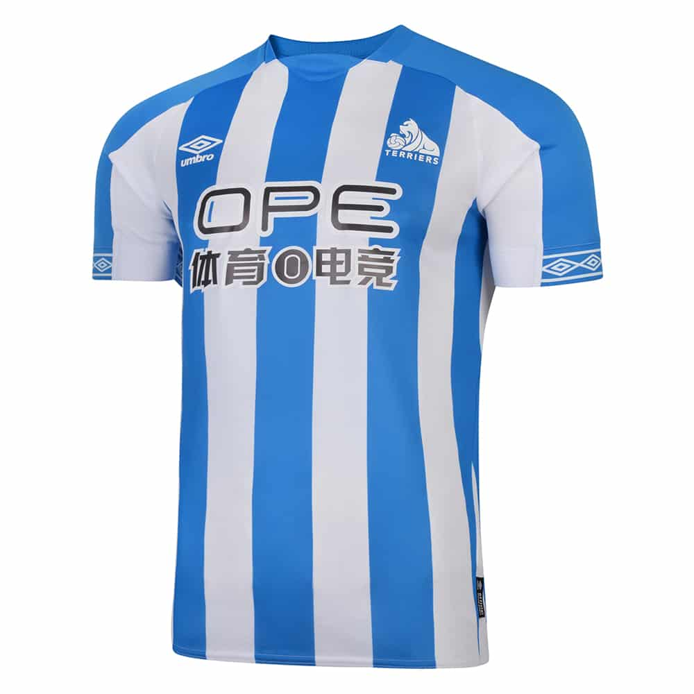 maillot-domicile-huddersfield-town-2018-2019-umbro