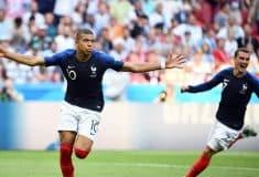 Image de l'article Après avoir porté cinq ensembles différents, comment va jouer l'Équipe de France pour sa demi-finale face à la Belgique ?