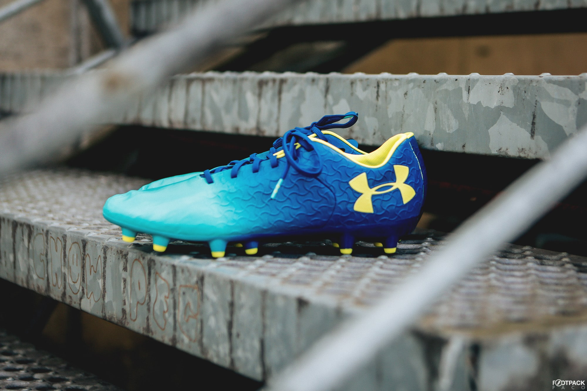 under-armour-magnetico-tex-footpack-6