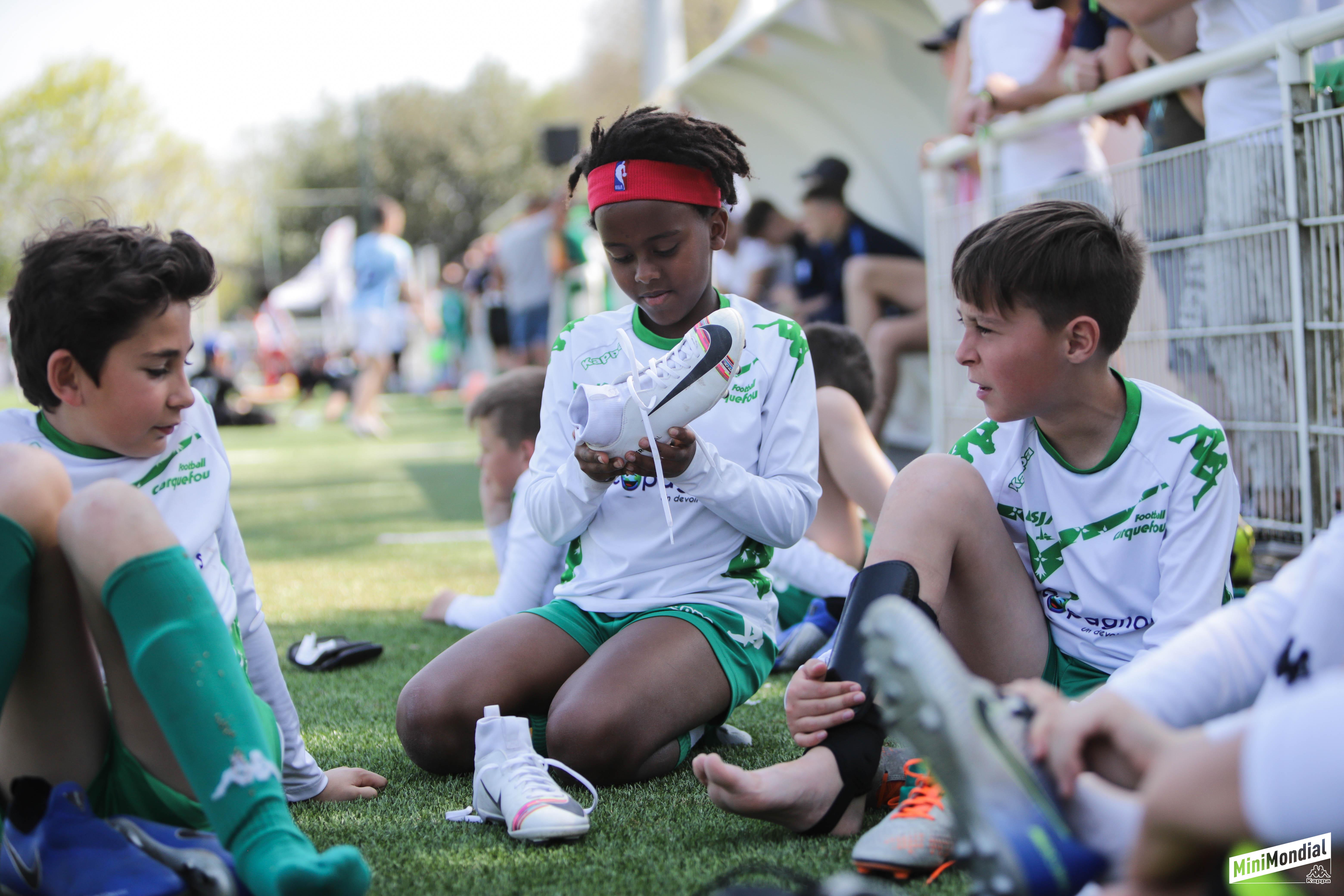 chaussure de foot enfant nike fille
