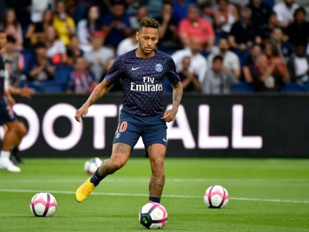 maillot-football-nike-psg-pre-match-2018-2019-neymar-aout-2018