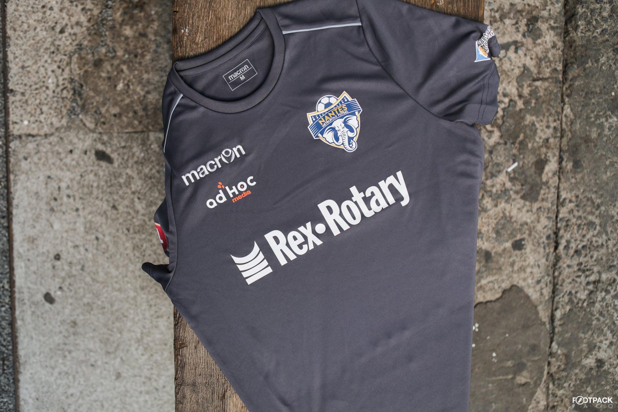 maillot-gardien-3-nantes-metropole-futsal-2018-2019-macron-footpack-details