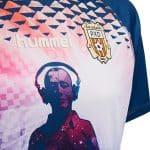 Ibiza s'invite sur un maillot de 4ème division espagnole!