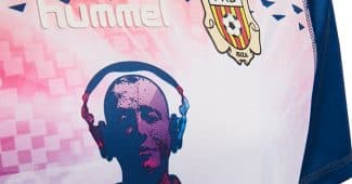 Image de l'article Ibiza s'invite sur un maillot de 4ème division espagnole!