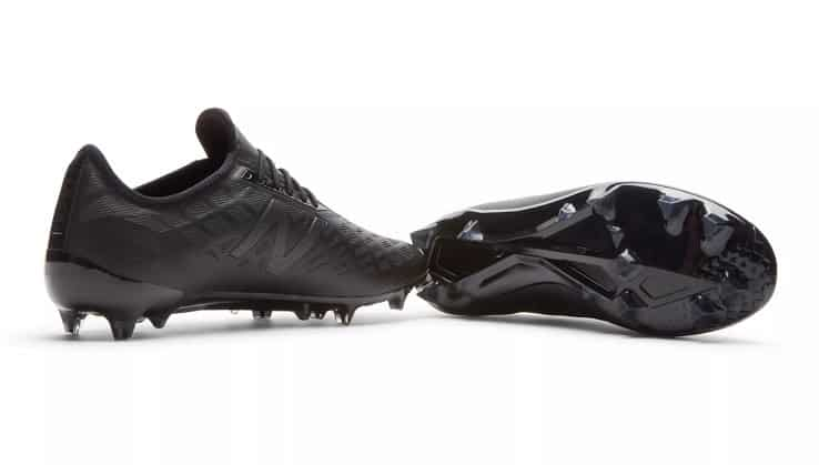 new-balance-furon-blackout-4