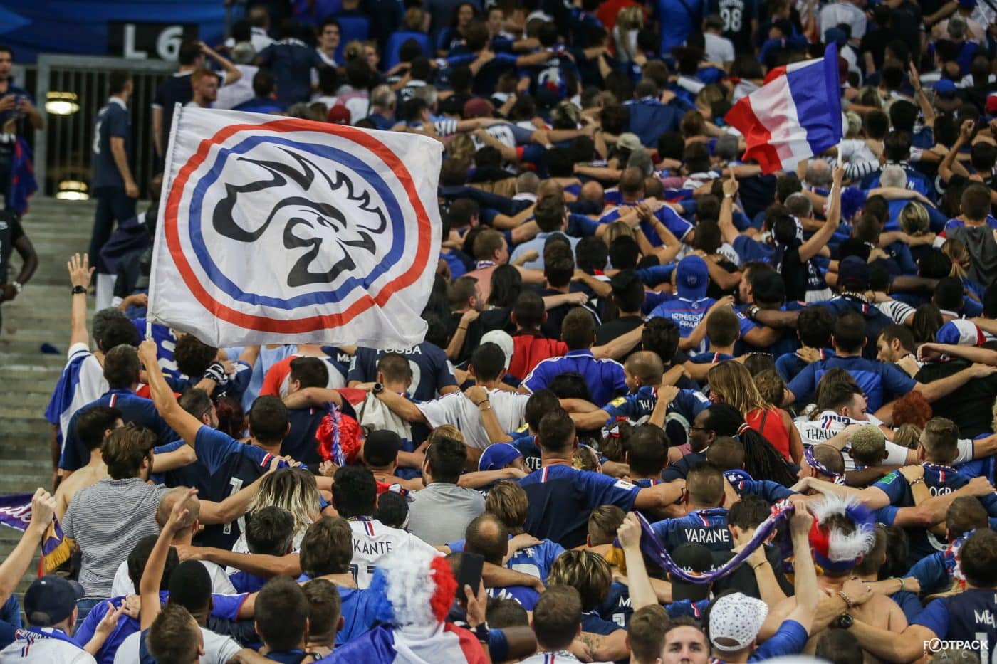au-stade-france-pays-bas-supporters-2