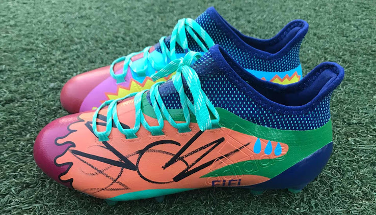 chaussures-customisées-tackle-kid-cancer-new-york-red-bull-5