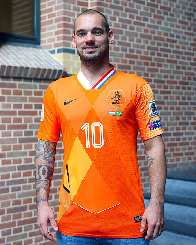 maillot-football-patchwork-pays-bas-sneijder-septembre-2018-1