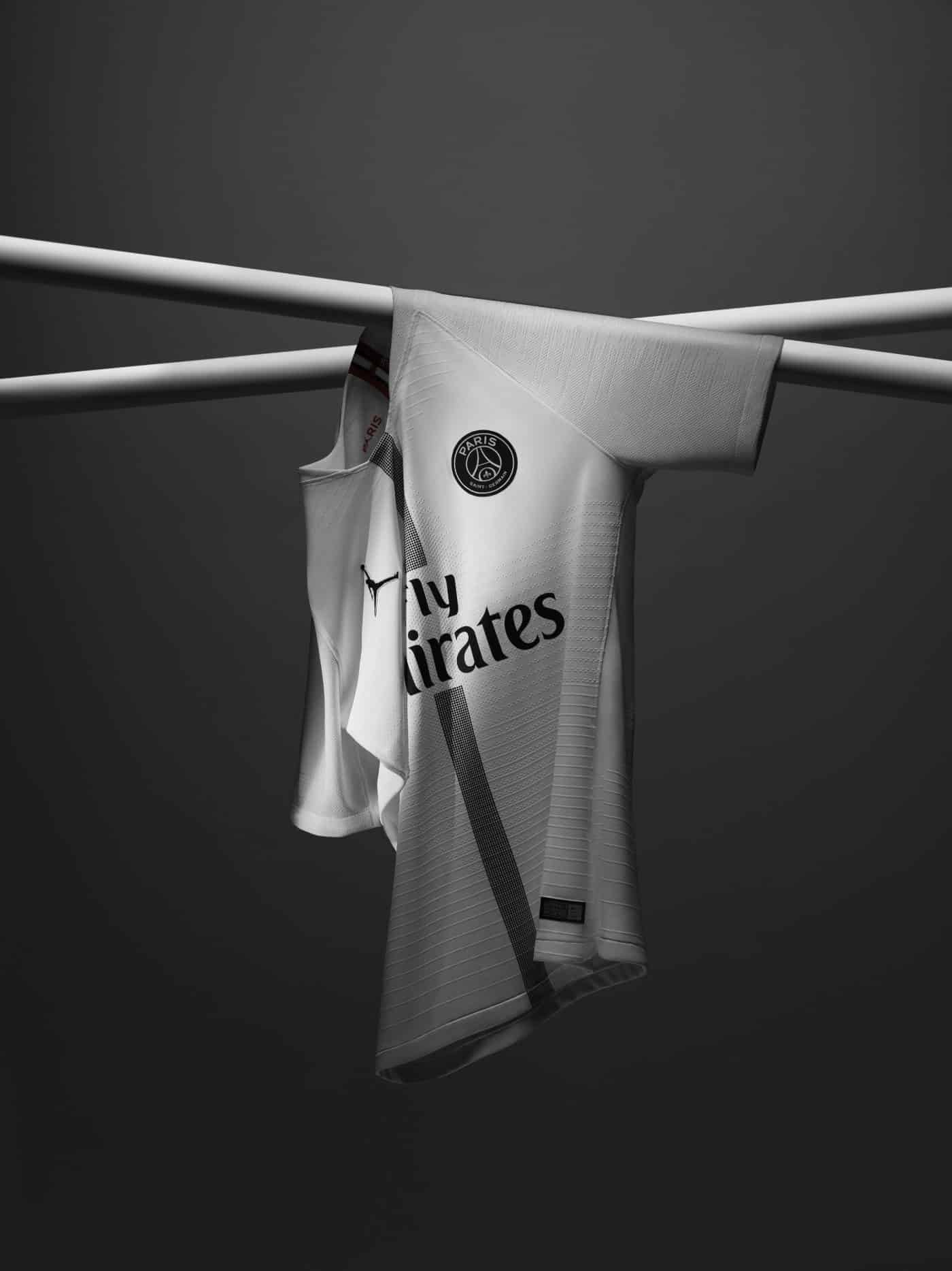 maillot-paris-saint-germain-air-jordan-blanc-2