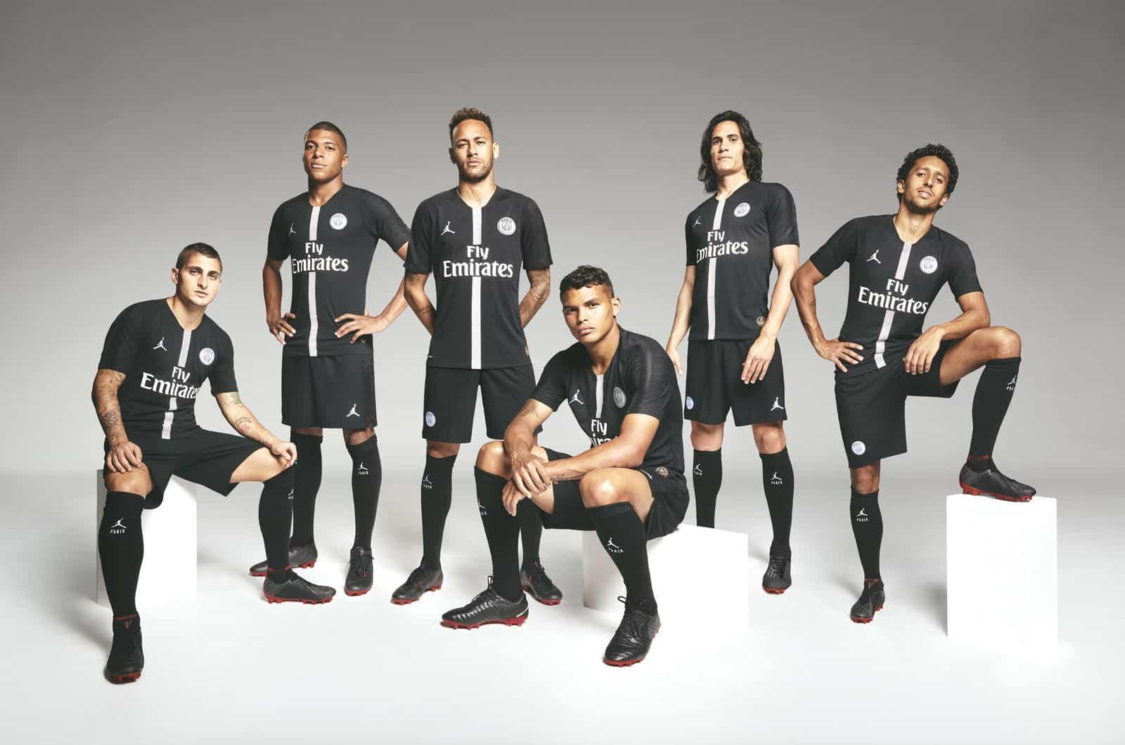 Le PSG et Air Jordan présentent les maillots Champions