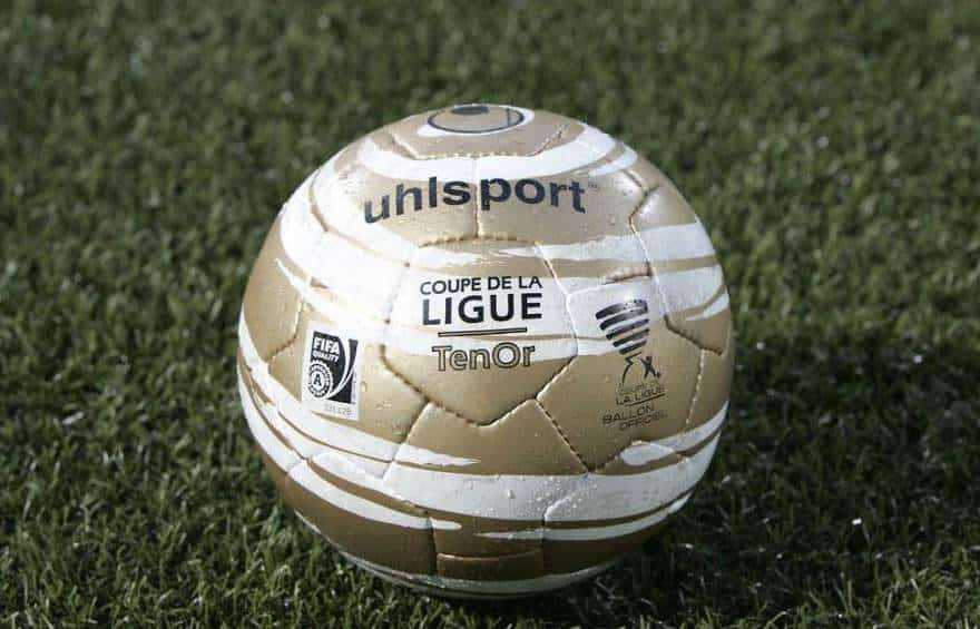 ballon-football-umbro-coupe-ligue-octobre-2012
