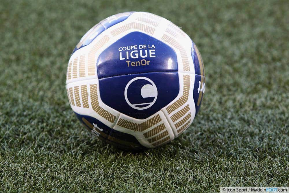 ballon-football-umbro-coupe-ligue-octobre-2014-15