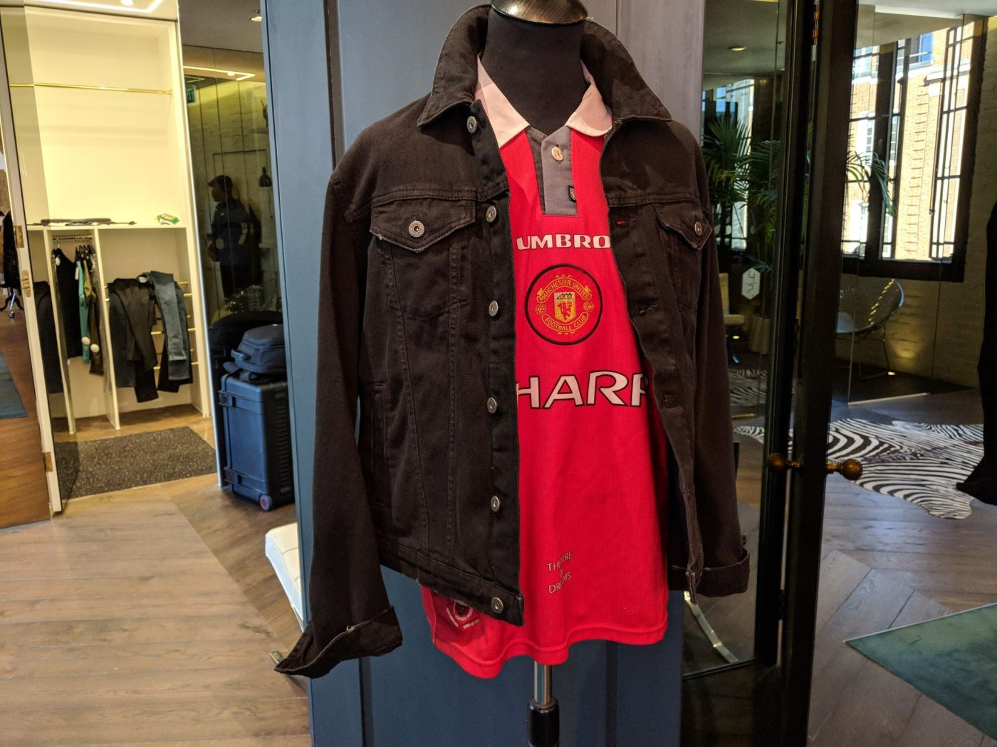 magasin-classic-football-shirts-londres-8
