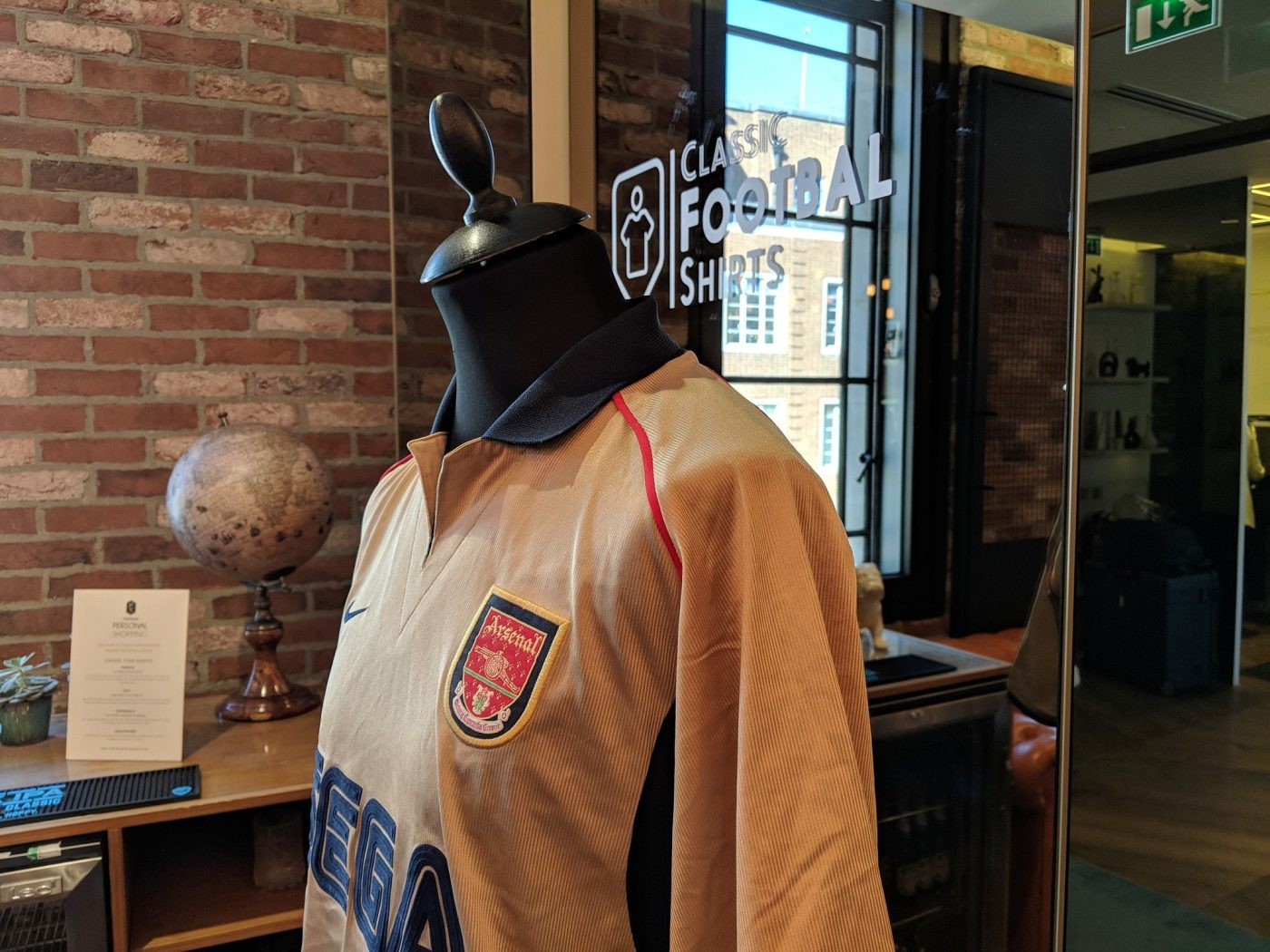 magasin-classic-football-shirts-londres-9