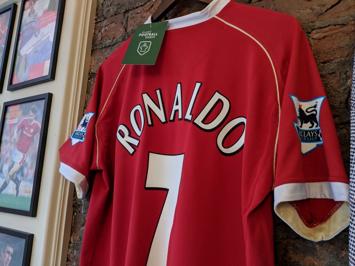 magasin-classic-football-shirts-manchester-10