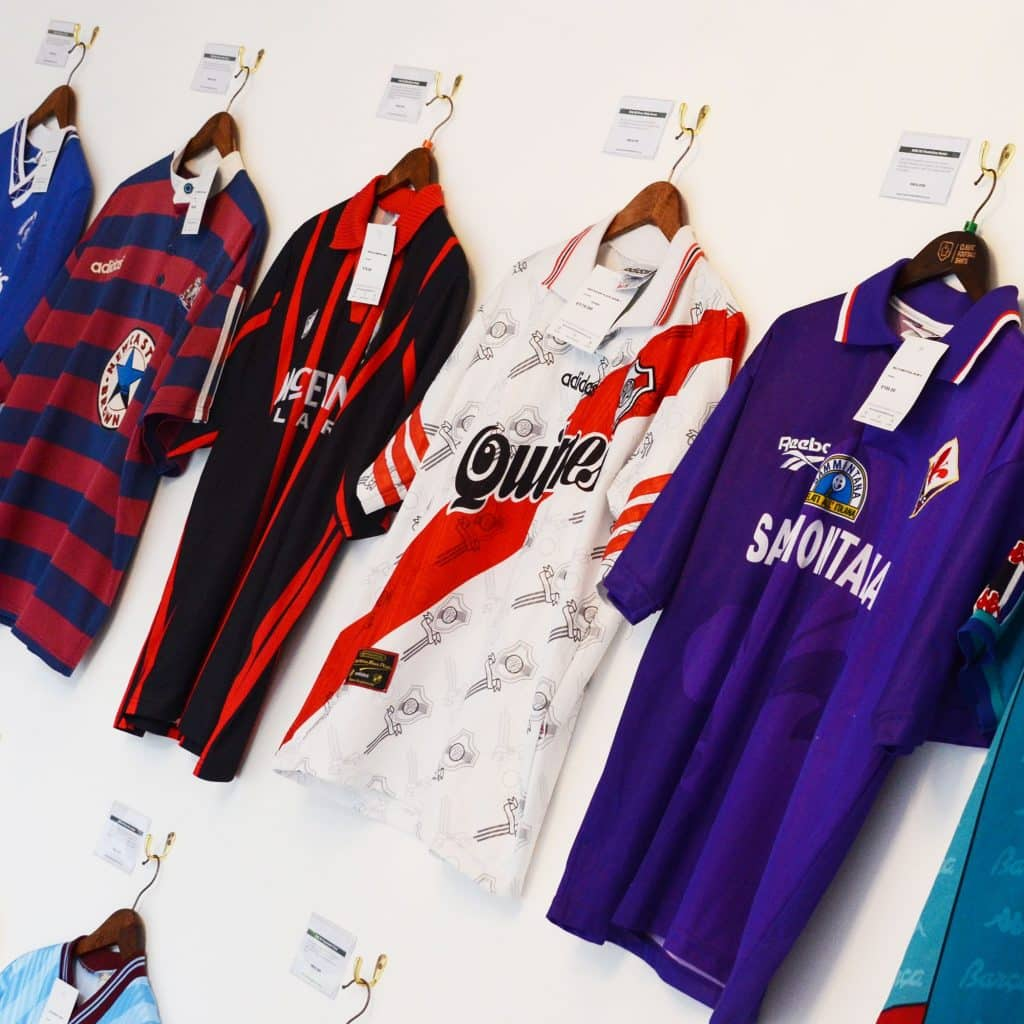 magasin-classic-football-shirts-manchester-4