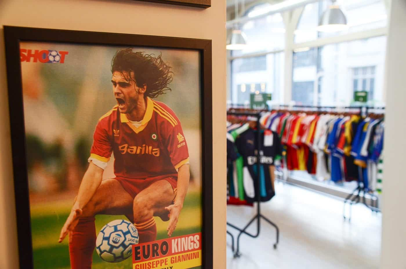 magasin-classic-football-shirts-manchester-5