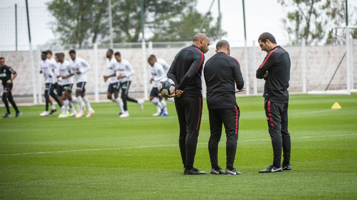 thierry-henry-entrainement-as-monaco-puma