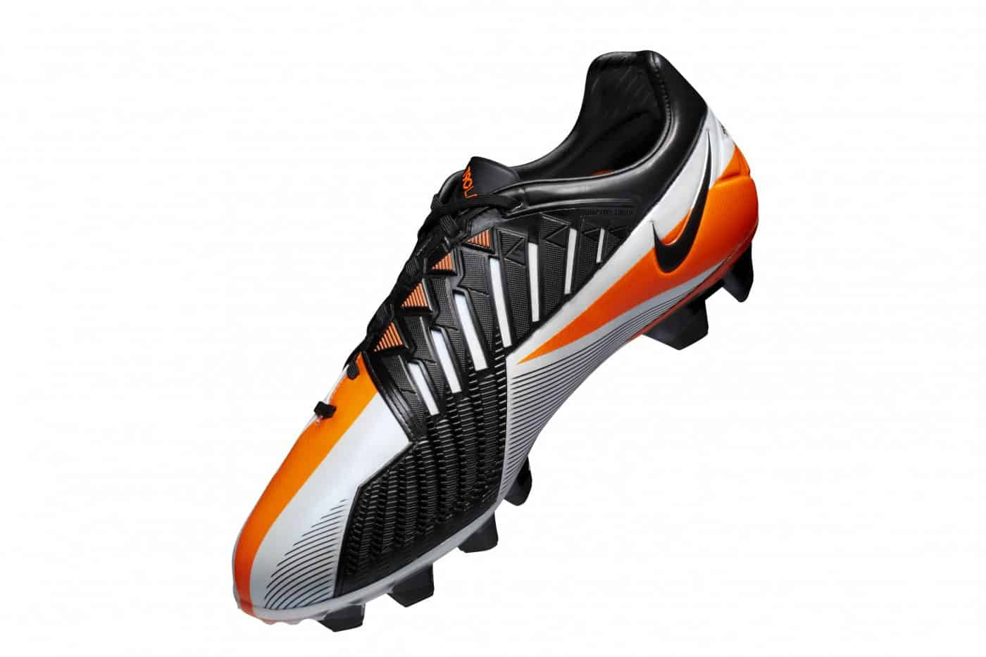 chaussures-football-nike-total-90-laser-IV-novembre-2018