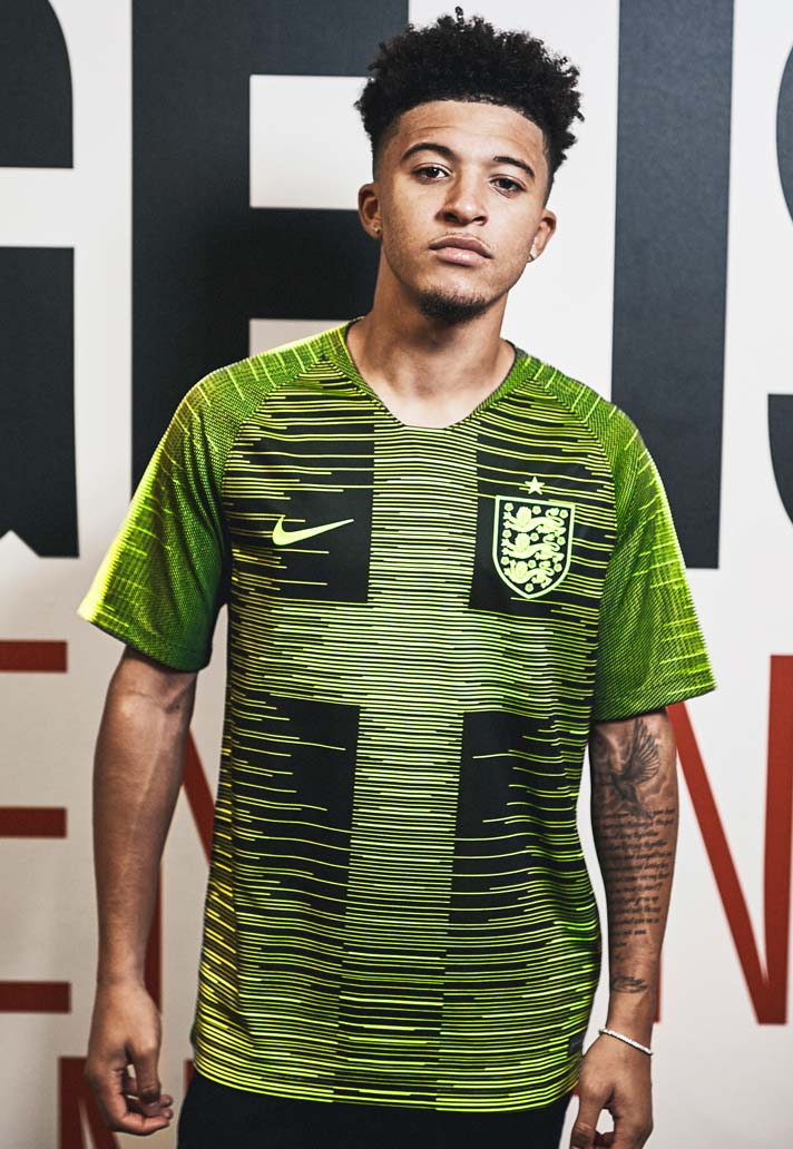 jadon-sancho-maillot-pre-match-angleterre-3