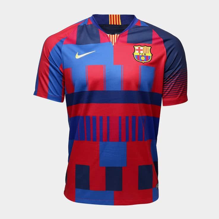 Le FC Barcelone dévoile un maillot mashup