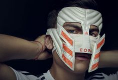 Image de l'article Paulo Dybala reçoit un masque de gladiateur Copa 19!