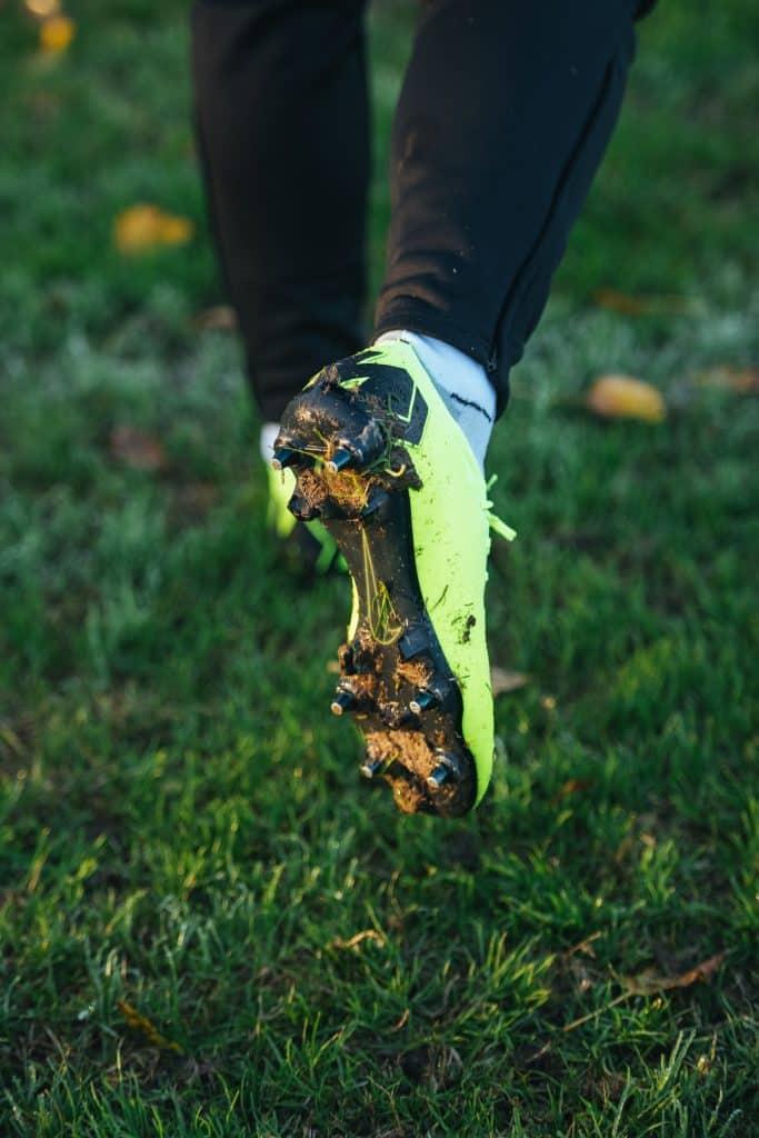 e283197b474513 Guide : comment laver ses chaussures de football ? (entretien ...