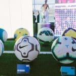 Nike réédite le ballon de la Premier League de la saison 2000-2001