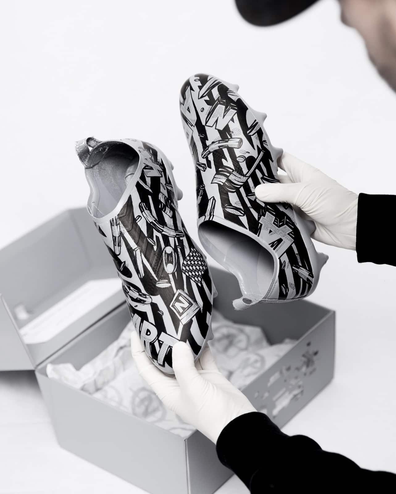 adidas dévoile trois skins Glitch customisés pas l'artiste