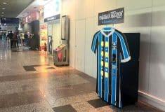 Image de l'article Les maillots du Gremio en vente dans un distributeur automatique!