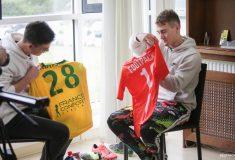 Image de l'article Qu'y a-t-il dans le sac d'un joueur de foot professionnel ? «Vide ton sac»