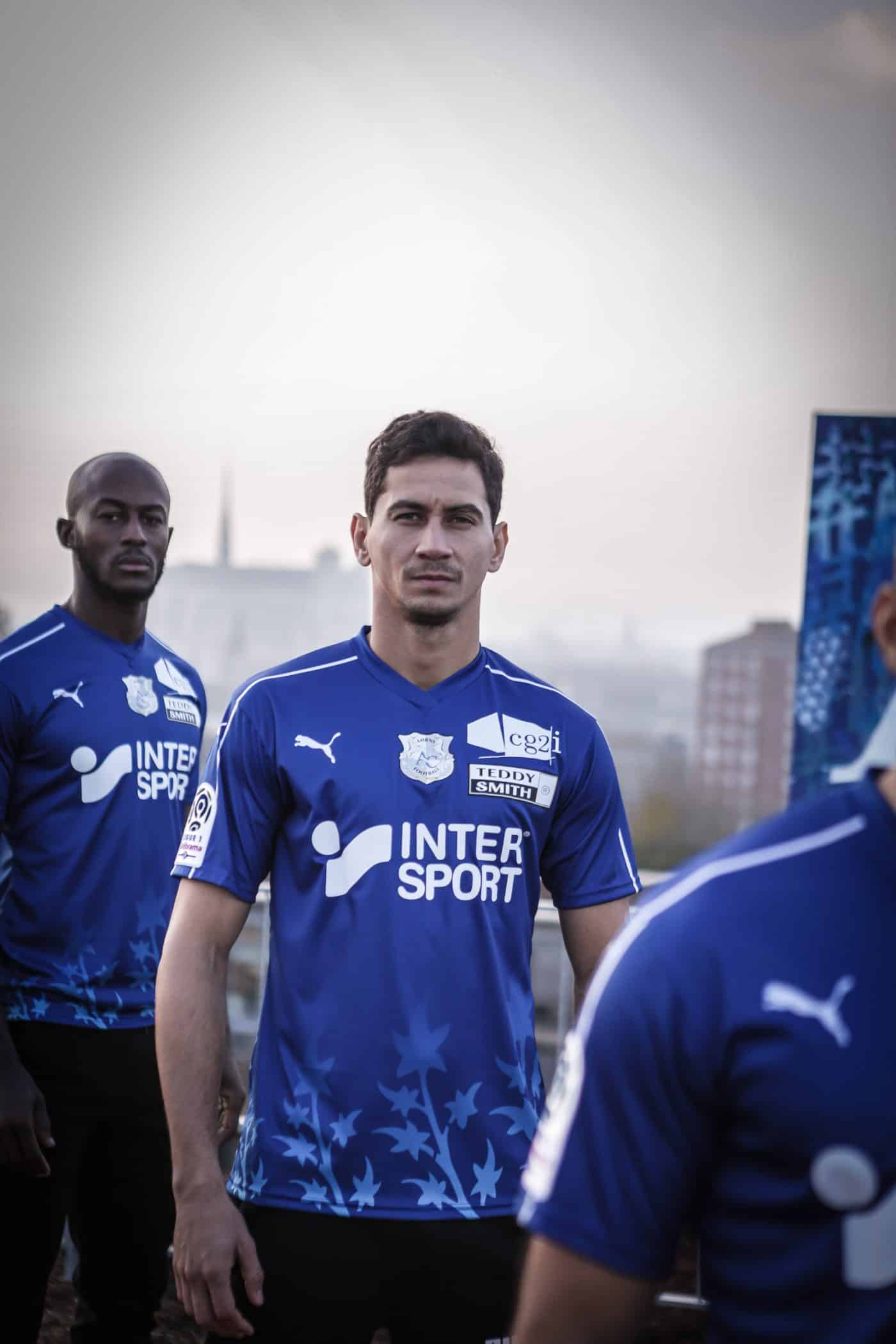 https://www.footpack.fr/wp-content/uploads/2018/12/maillot-third-amiens-sc-2018-2019-puma-footpack-6-1400x2100.jpg
