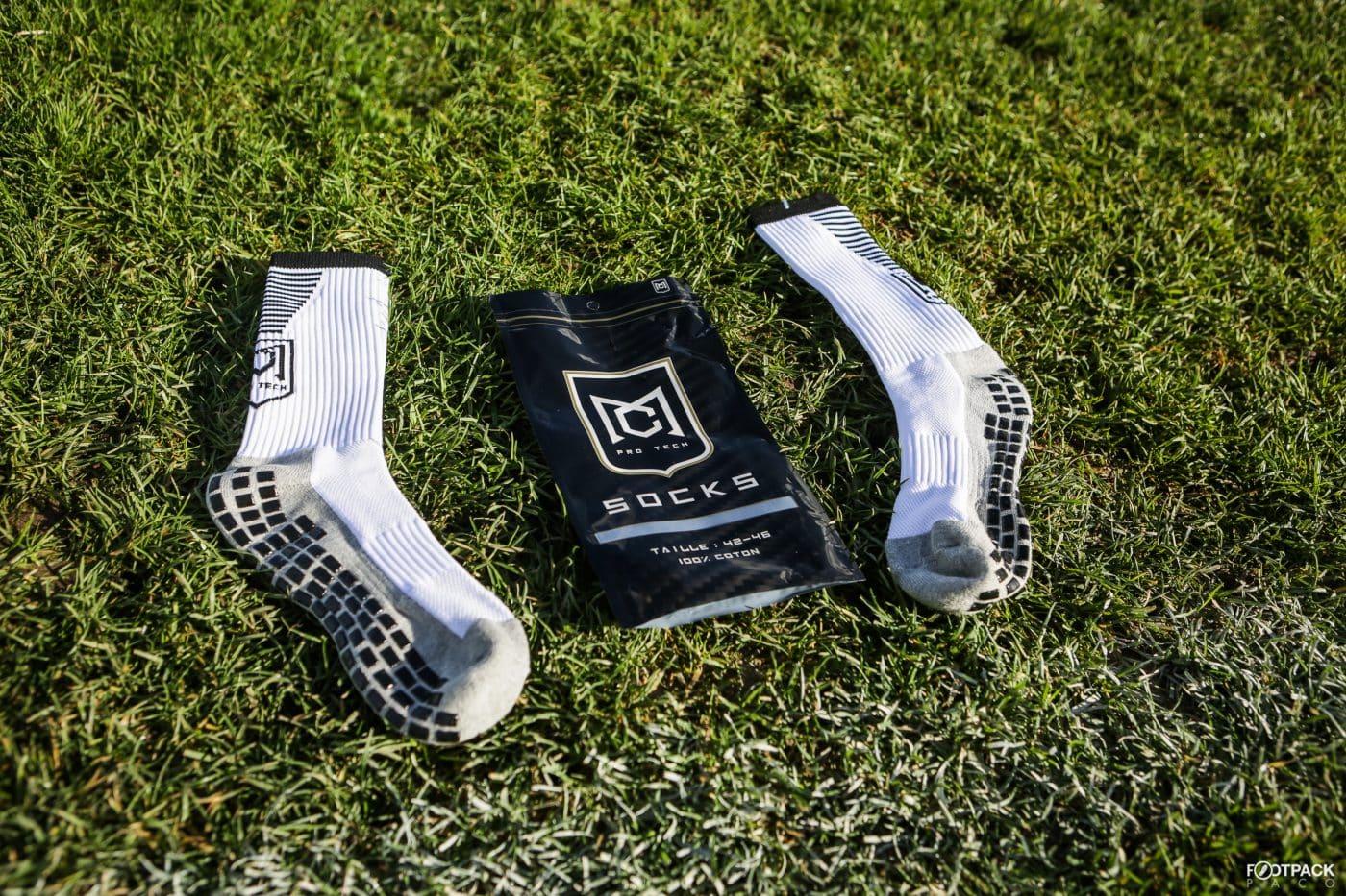 mc-protech-protege-tibias-chaussettes-footpack-3