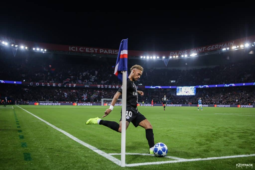 neymar-classique-corner-top-50-photos-footpack
