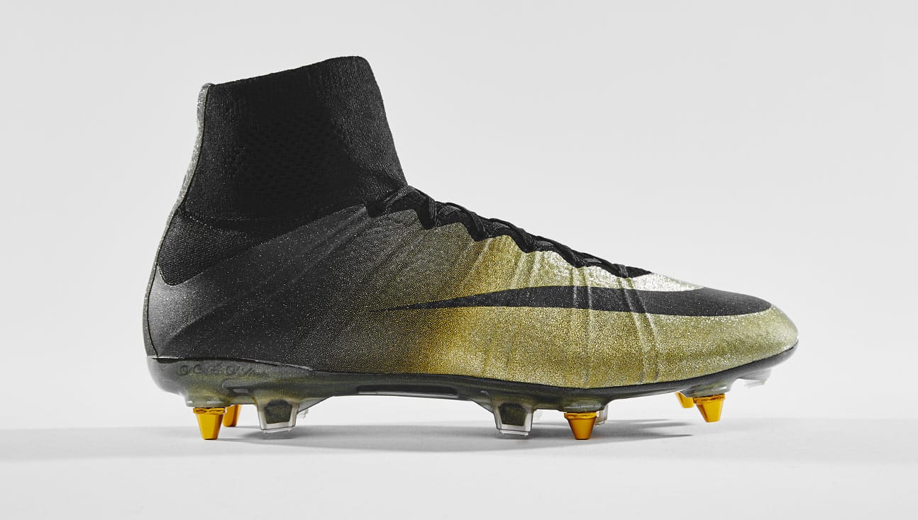 chaussures-football-nike-mercurial-superfly-cr7-ballon-d-or-2014-décembre-2018