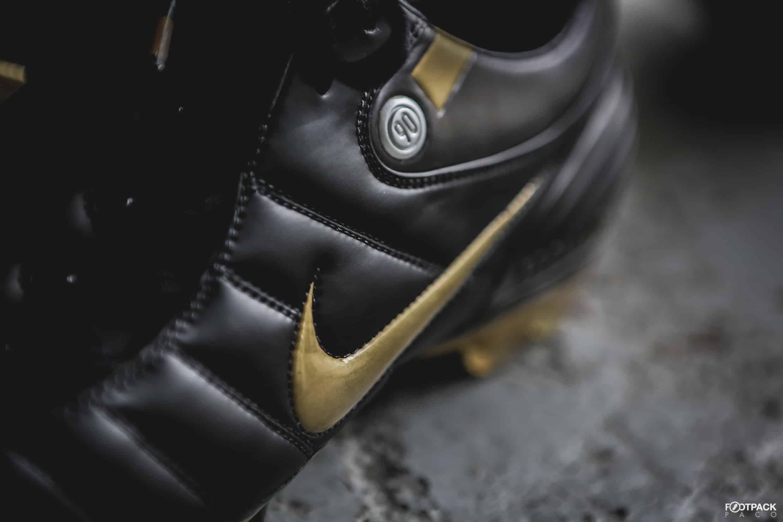 1134b9e93f9b45 Les chaussures de foot des années 2000 : Total 90, Predator, F50...