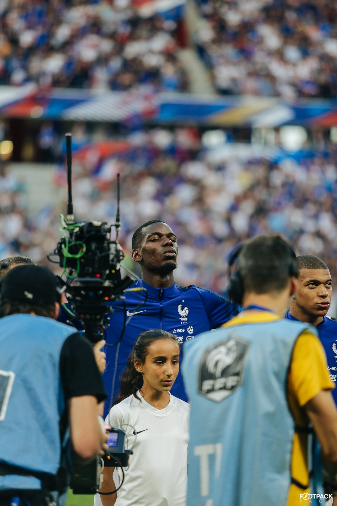 paul-pogba-1-top-50-photos-footpack