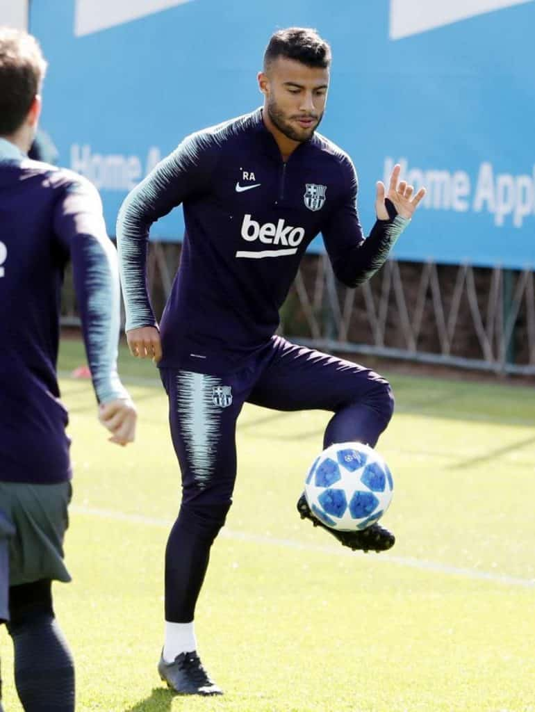 rafinha-fc-barcelone-chaussures-masquées-1