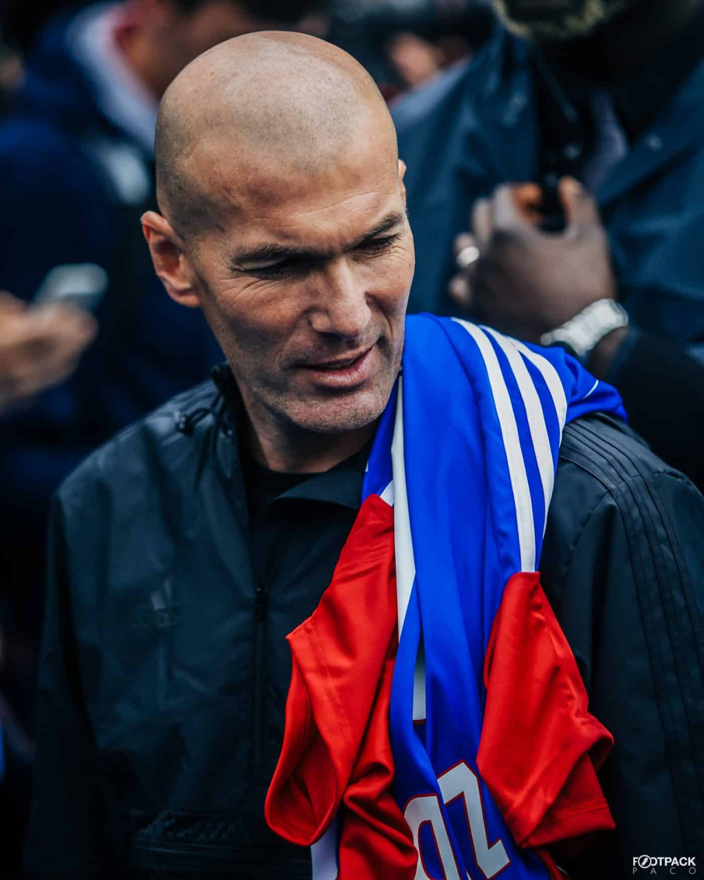 zinedine-zidane-top-50-photos-footpack