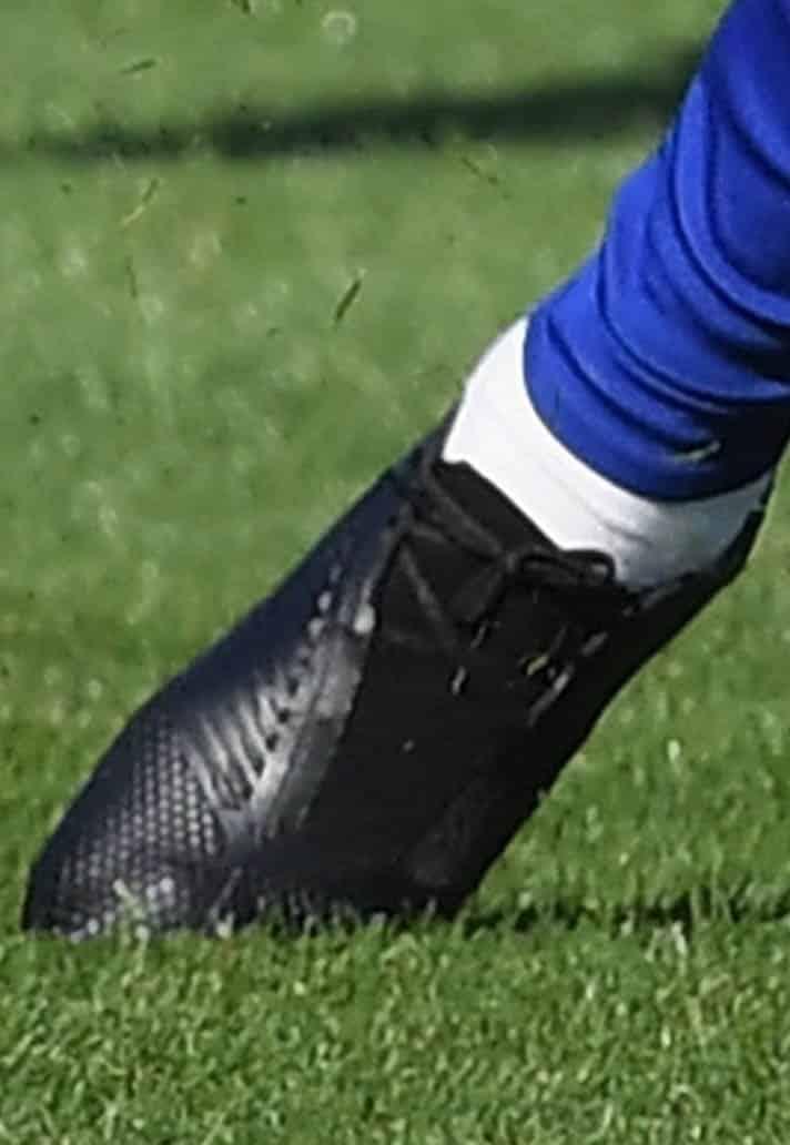 chaussures-masquées-willian-rashford