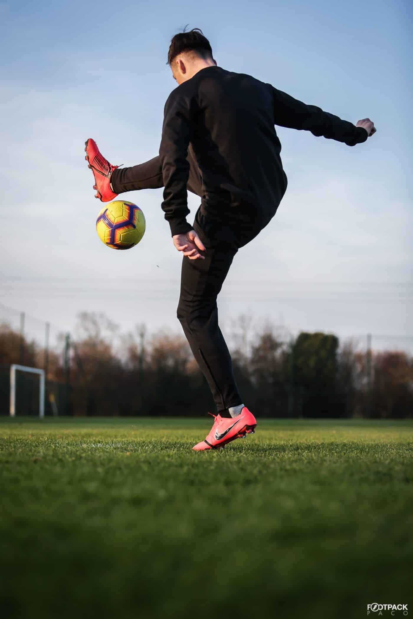 chaussures-football-nike-phantom-venom-footpack-janvier-2019-10