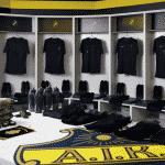Le club de l'AIK Fotboll dévoile son nouveau maillot blackout