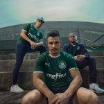 Le club brésilien de Palmeiras dévoile ses nouveaux maillots Puma